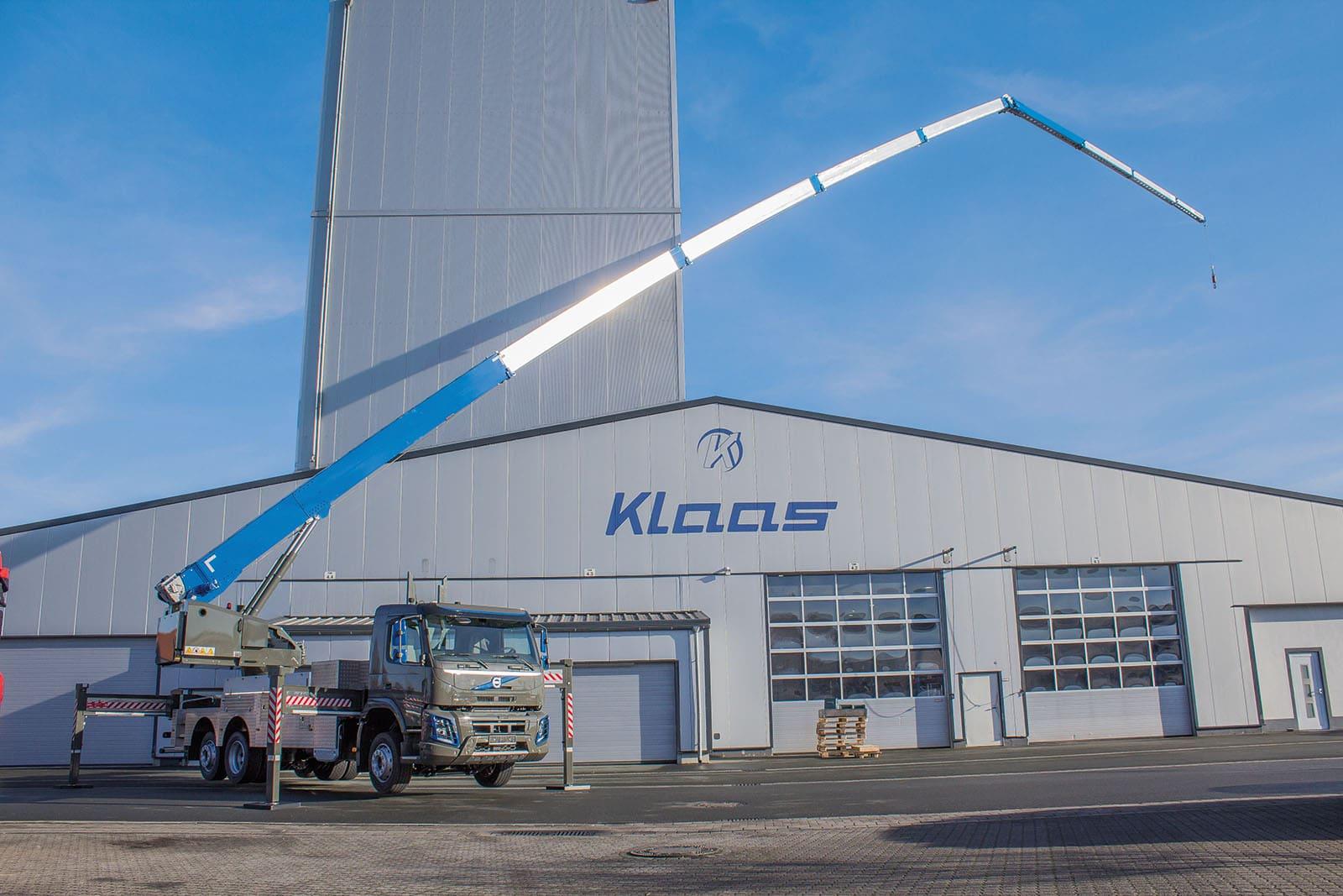 grue mobile sur camion 60 metres