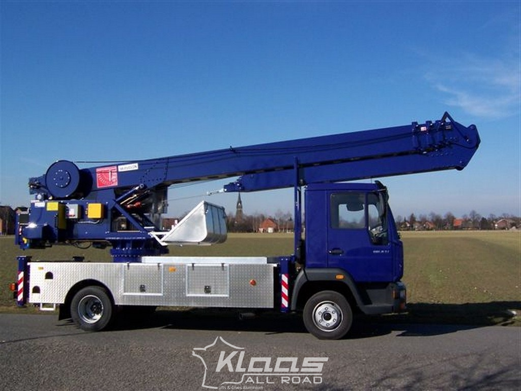 Location grue mobile k29 36 tsr klaas for Piscine mobile sur camion
