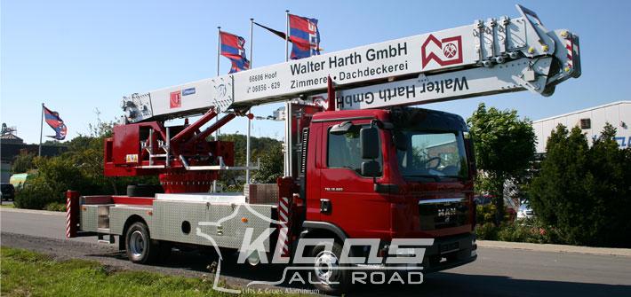 Location grue mobile sur camion nacelle 15t klaas for Piscine mobile sur camion