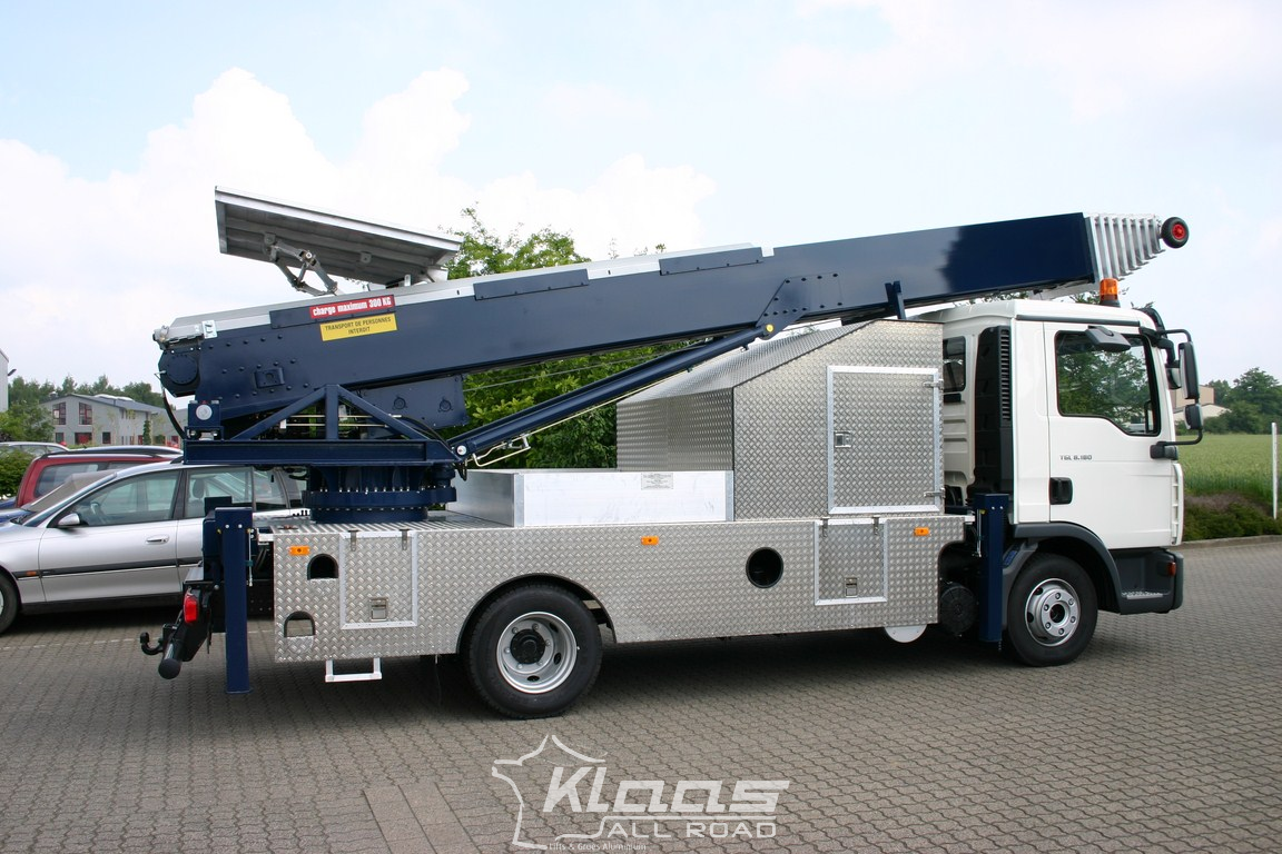 Camion monte meuble 56m klaas for Monte meuble occasion belgique